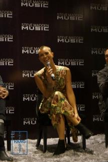 Se mostró muy sonriente y de buen humor ante las preguntas de los reporteros.