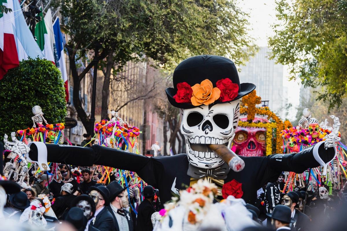 Todo listo para el monumental desfile del Día deMuertos