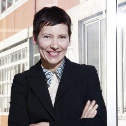 Arquitecta francesa, ganadora del Premio Europeo de Arquitectura 2017.