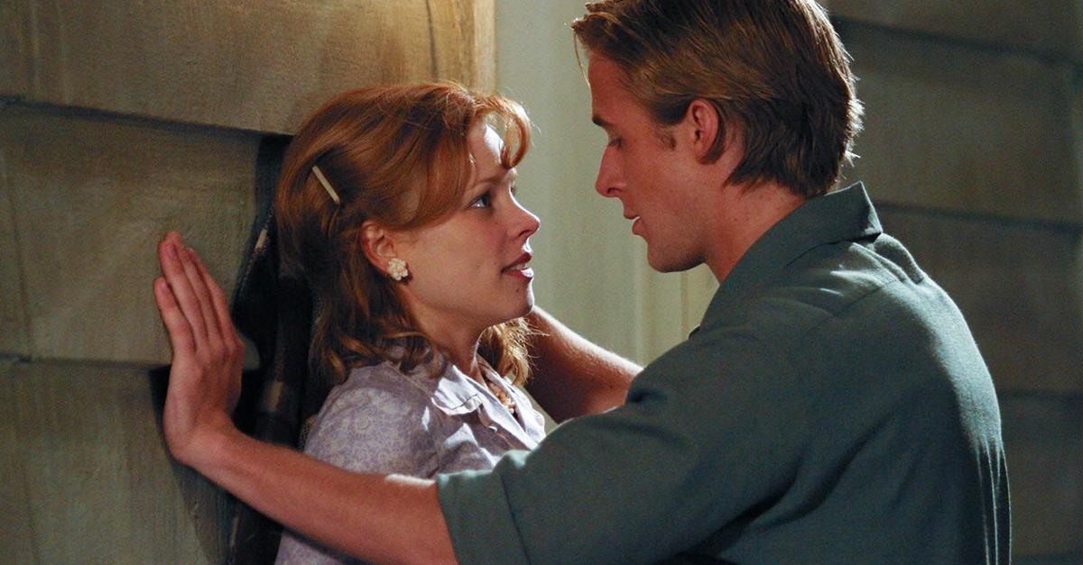 Noah acosa y manipula a Ally para que acceda a salir con él.